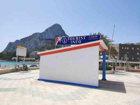 Abren los dos puntos de información turística de Calp con medidas de seguridad frente a la COVID-19