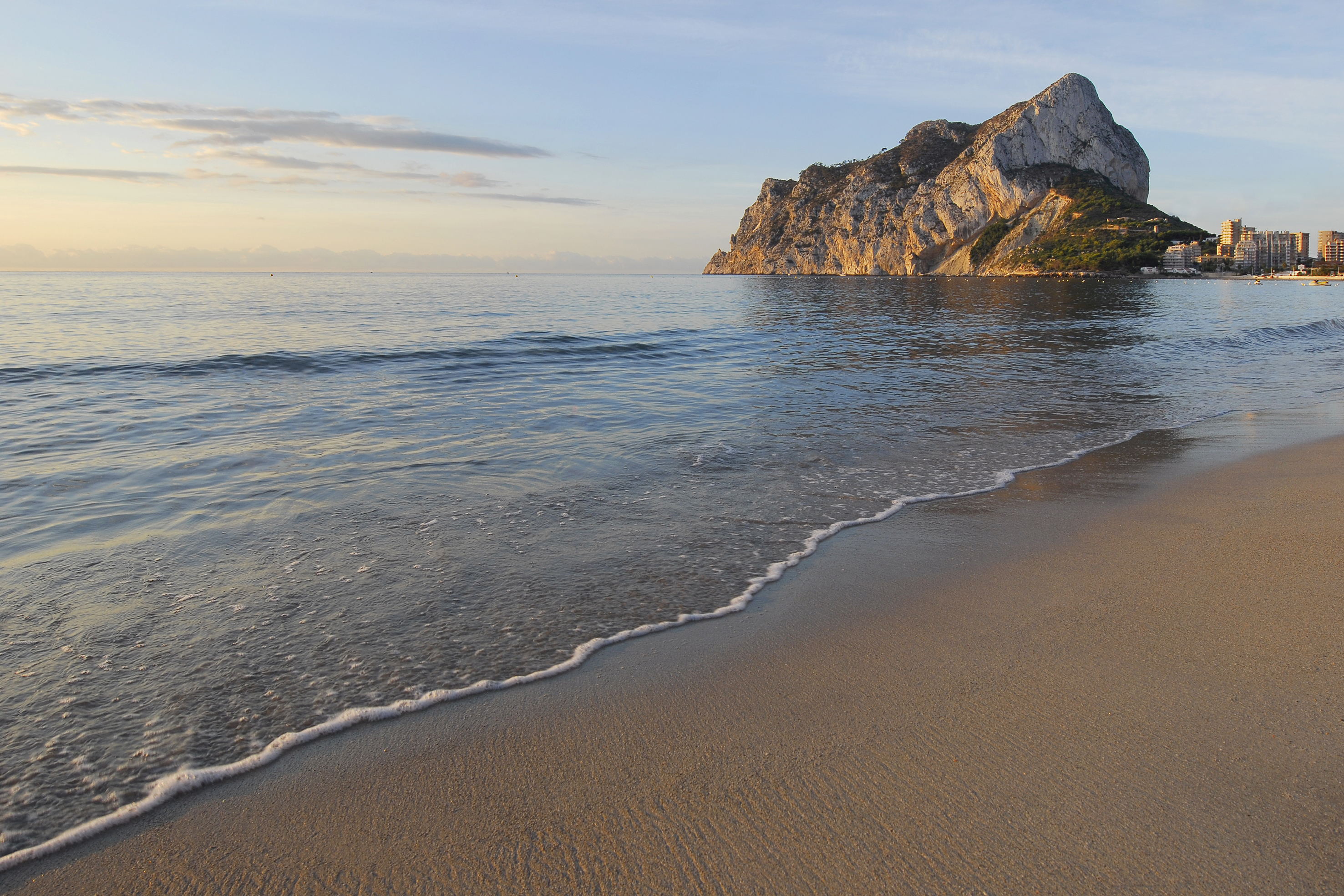 Las playas calpinas consiguen de nuevo sus tres banderas azules